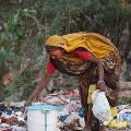 Индийское кафе предлагает еду в обмен на пластик
